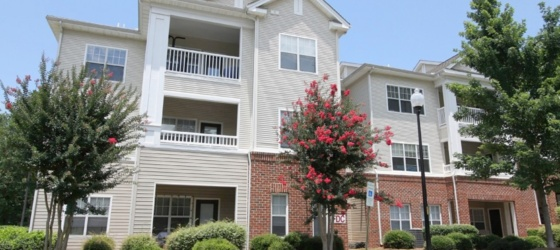 1 Bd of 2x2 for Rent (First Month FREE RENT)! 10 min from Downtown Raleigh/NC State/Meredith