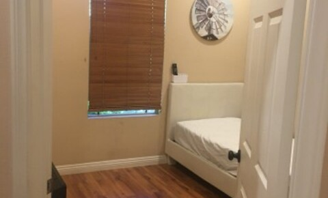 Apartments Near UC Irvine Woodbury 1 Bed/Bath for University of California - Irvine Students in Irvine, CA