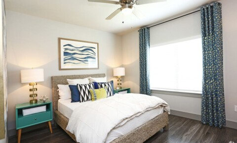 Apartments Near SAGU 400 S Grand Ave for Southwestern Assemblies of God University Students in Waxahachie, TX