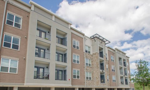 Apartments Near UT Dallas 1350 N Greenville Ave for University of Texas at Dallas Students in Richardson, TX