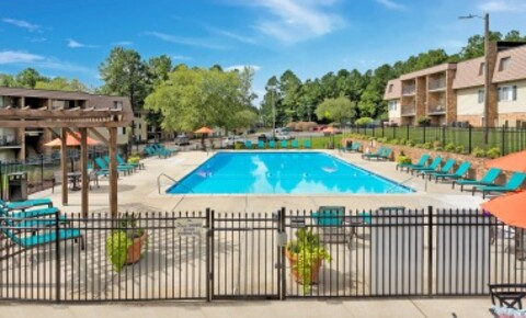Apartments Near UNC Pine Gate for University of North Carolina Students in Chapel Hill, NC