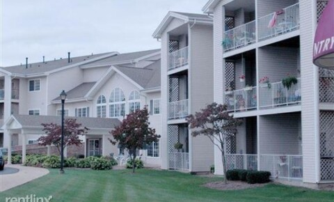 Apartments Near KVCC Spring Manor for Kalamazoo Valley Community College Students in Kalamazoo, MI