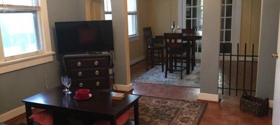Furnished 2 Bed, 1 Bath in Best Uptown Location!