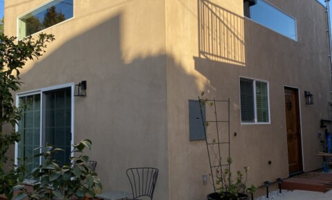 Sublets Near CSULA Sublet on Westside Close to UCLA- Looking for Quiet Grad Student for California State University-Los Angeles Students in Los Angeles, CA