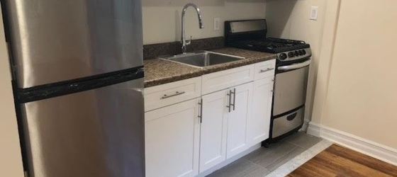 Spacious Garden Style Studio Apartment - H/HW/G - Laundry - Parking - Dobbs Ferry