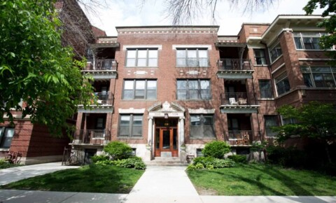 Apartments Near Rush 5524-5526 S. Everett Avenue for Rush University Students in Chicago, IL