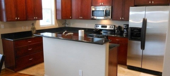 2 bedroom Lakewood